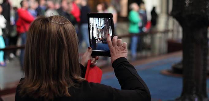 Fotografisanje tablet računarom na događaju