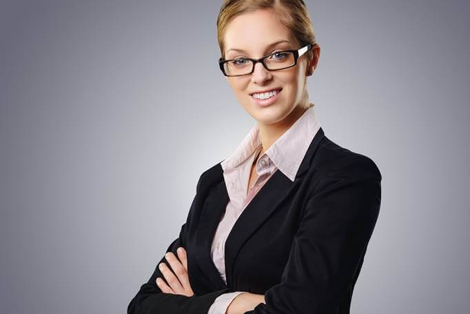 Poslovna žena u sakou